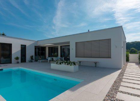 einfamilienhaus, pool, flachdach, planen, bau,
